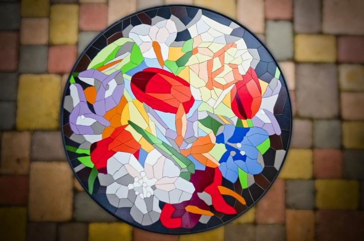 Mozaika – kovové zahradní stolky